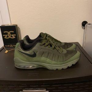 Nike Air Max Invigor (Palm Green)